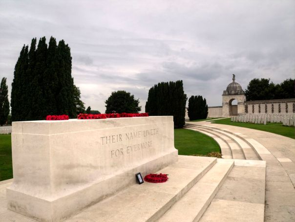 6 Stone_of_Remembrance,_Tyne_Cot_Cemetery