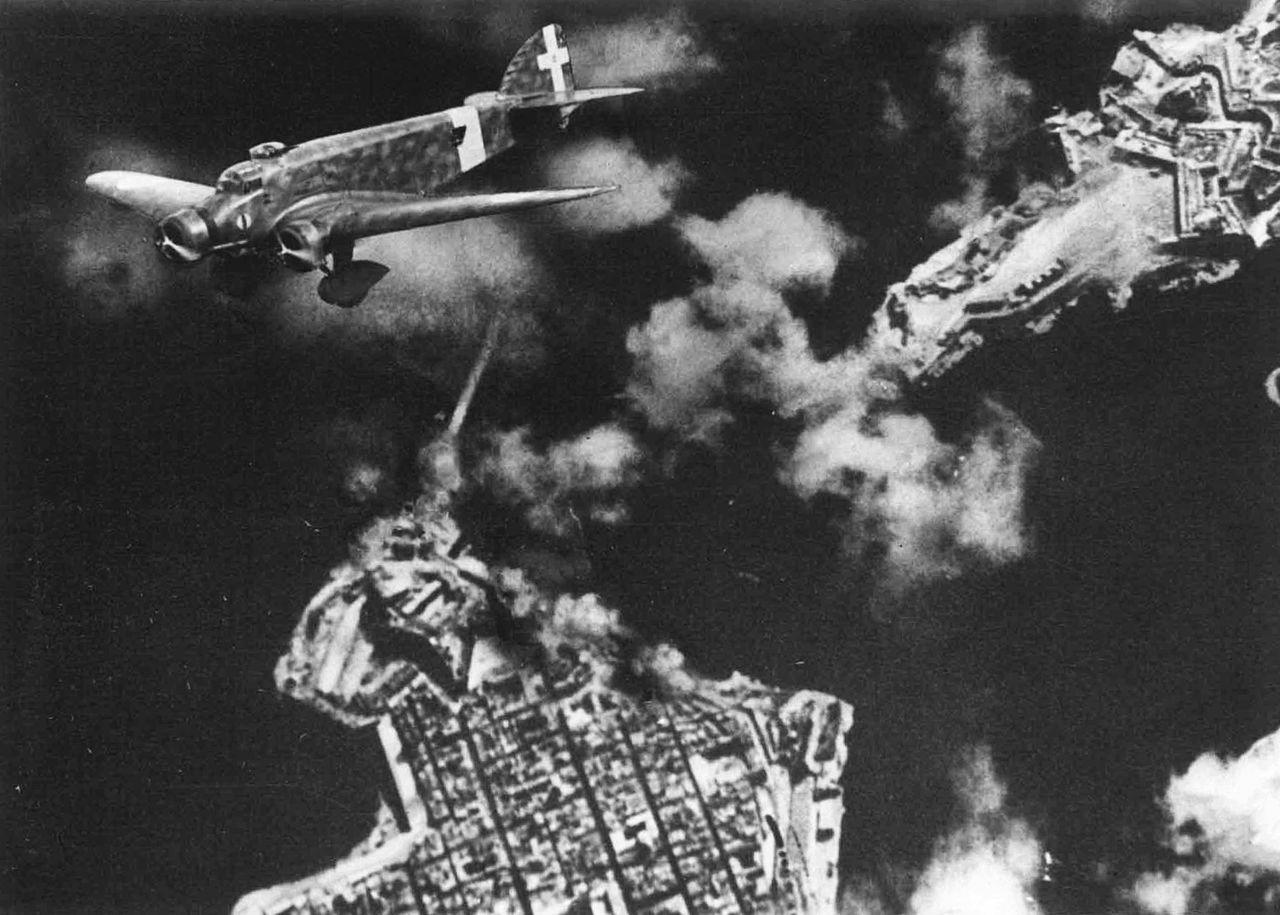 Italian_bombing_of_the_Grand_Harbor,_Malta
